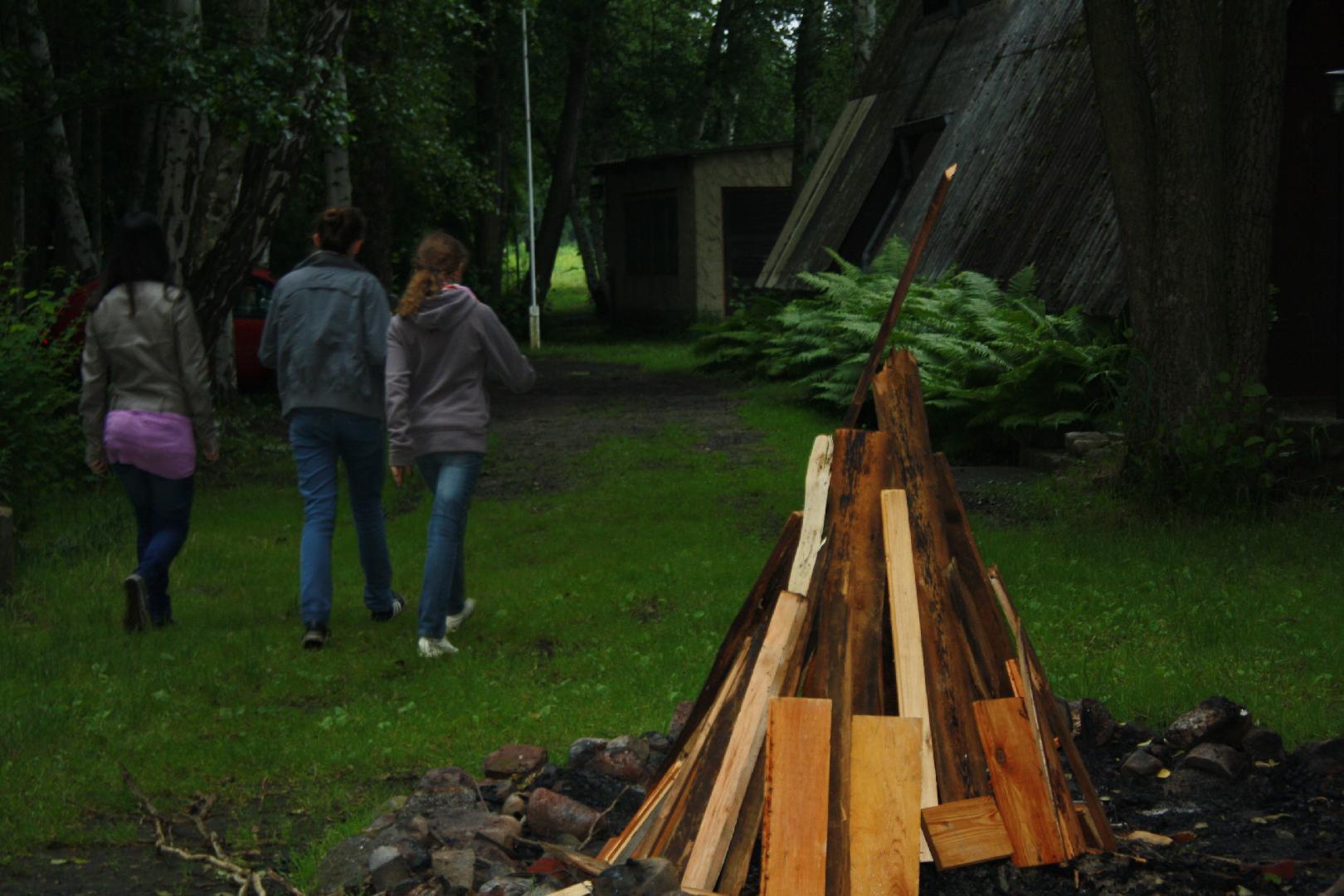 05 Das Holz steht schonmal